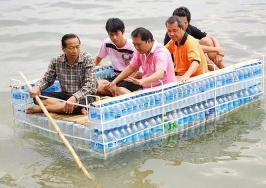ПЭТ-плот, наводнение в Таиланде, 2011